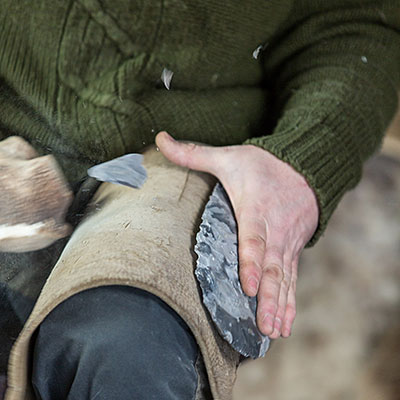 Flintknapping in action