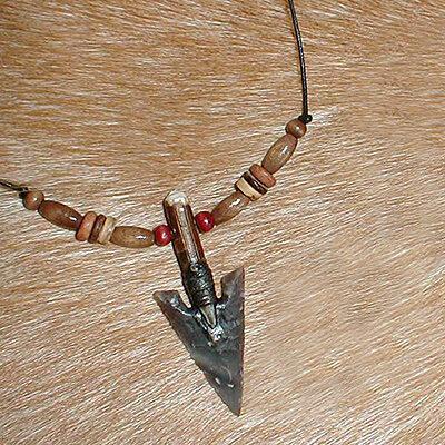 Small arrrowhead necklace